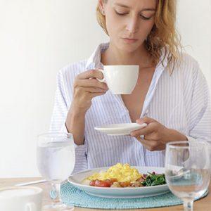 Toma um café da manhã bem relaxado
